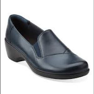 Clarks Navy May Ivy Leather Loafer Size 7
